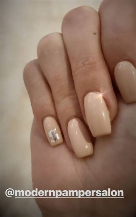 Kylie Jenner Shows Off Her Stormi-Inspired Manicure | E! News