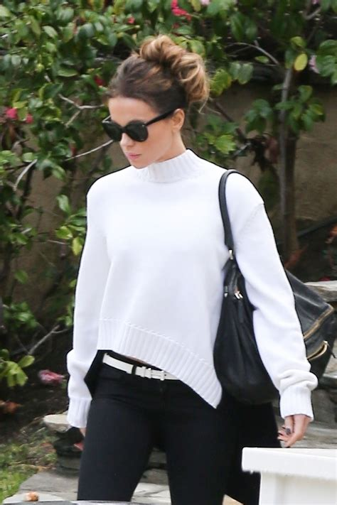 Kate Beckinsale Casual Style - Heading to a Super Bowl