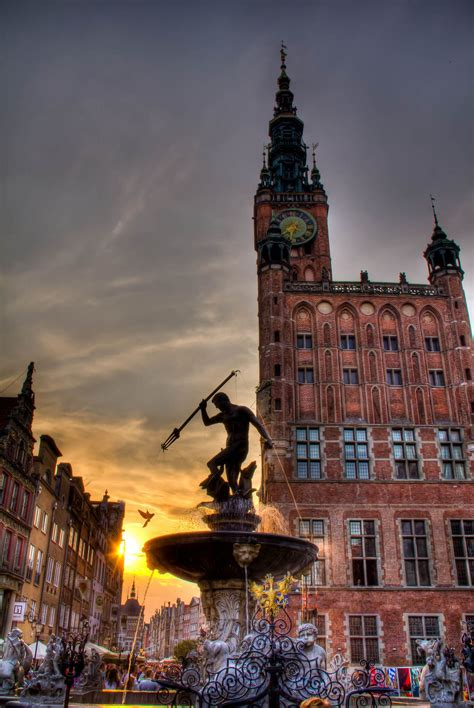Neptune in the sun -- Gdansk, Poland | Gdansk poland