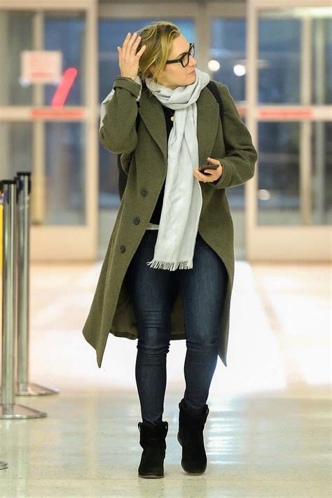 kate winslet makes a casual arrival at jfk airport in new